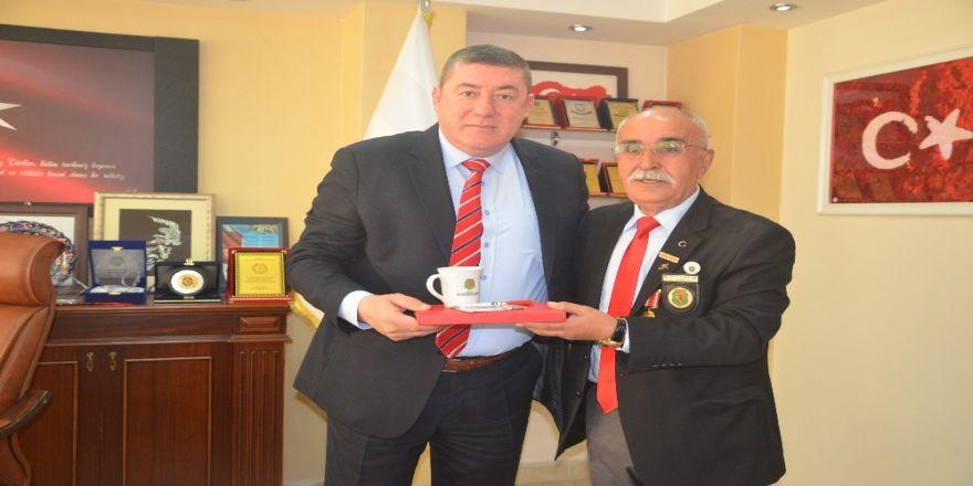 Türkiye Harp Malulü Gaziler Şehit Dul ve Yetimleri Derneği Tekin'i ziyaret ettiler