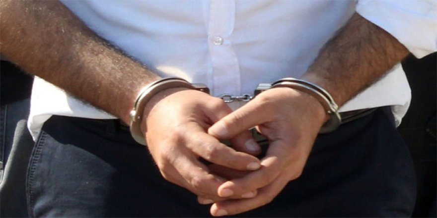 Polis ve sahte polislere operasyon: 5 gözaltı