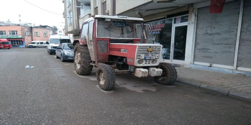 Traktörün aküsü çalındı
