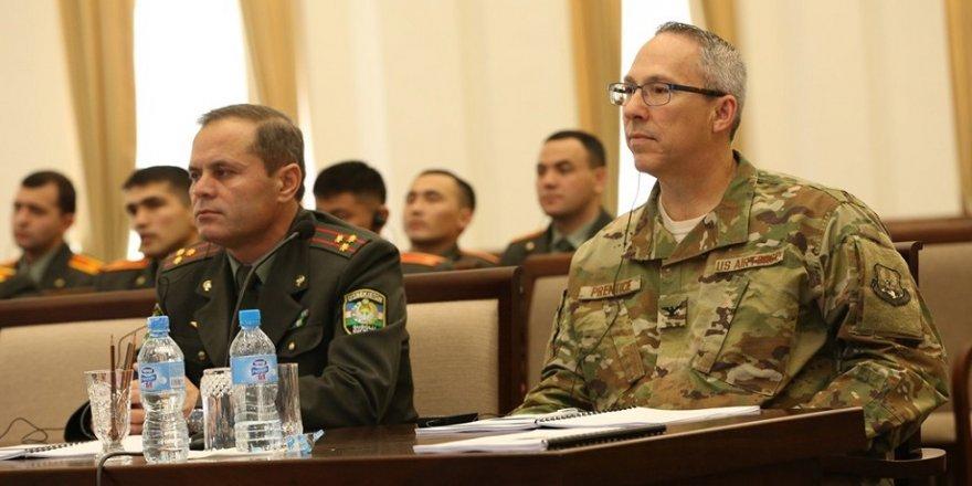 ABD'li komutandan Özbekistan'a ziyaret