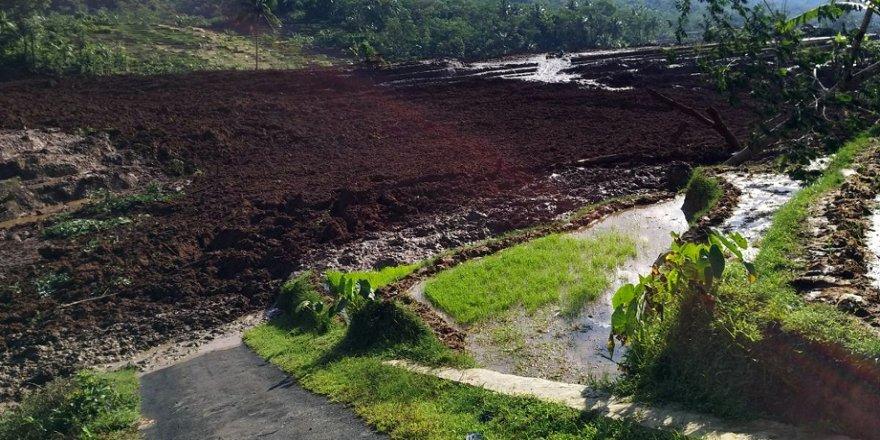 Toprak kayması: 5 ölü
