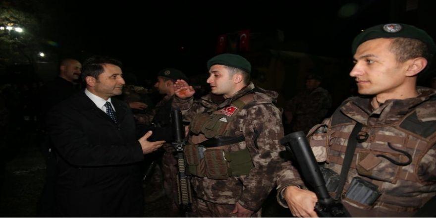 Polis Özel Harekat timleri Afrin'e uğurlandı