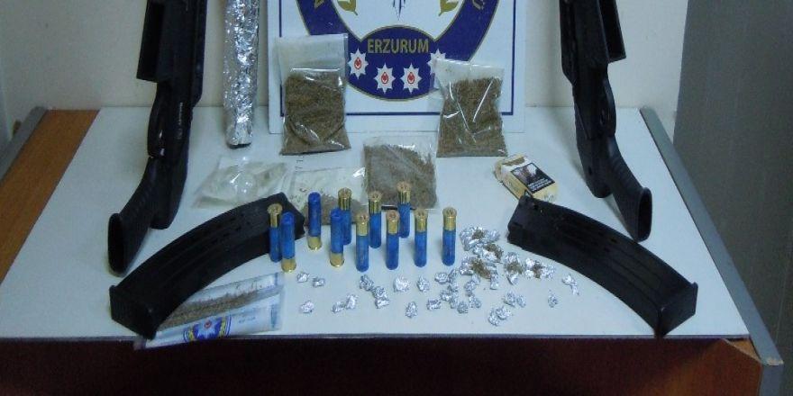 Uyuşturucu operasyonunda gözaltına alınan 28 şüpheli adliyeye sevk edildi