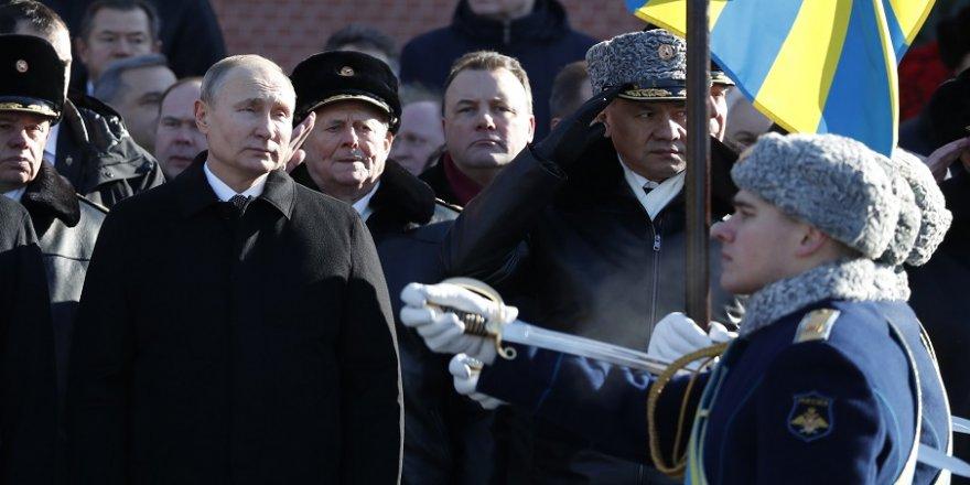 Rusya, Anavatan Savunucuları Günü'nü kutluyor