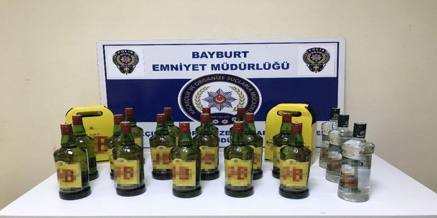22 şişe gümrük kaçağı içki ele geçirildi