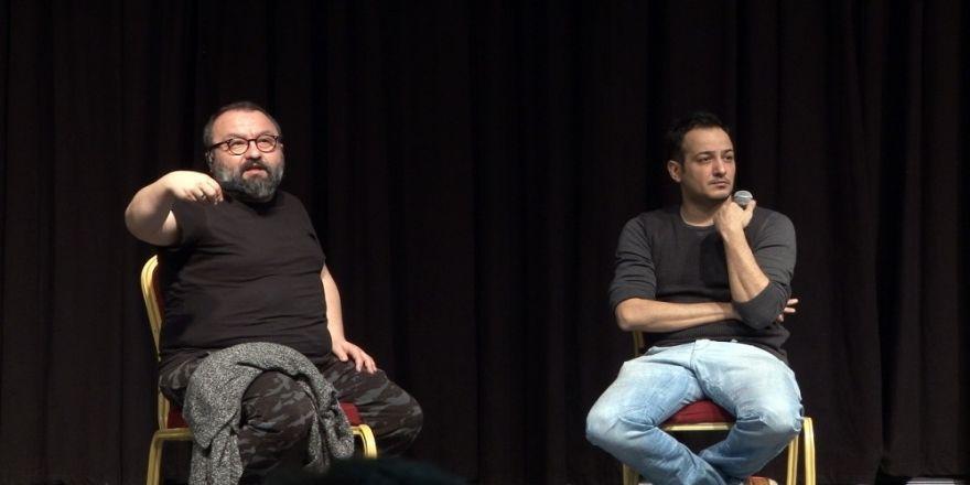 """Sarp Apak: """"Herkesin komedyen olduğu bir ülkede yaşıyoruz"""""""
