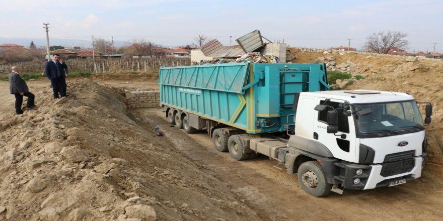 Sarıgöl'de geçici çöp transfer istasyonu hizmete başladı