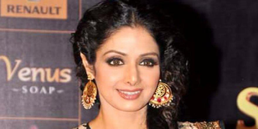 Bollywood yıldızı hayatını kaybetti