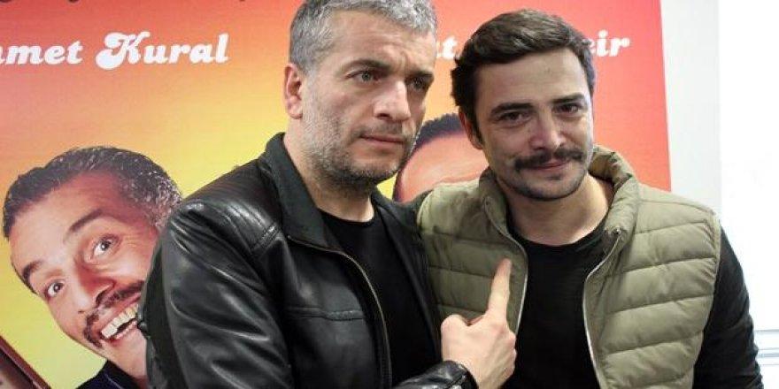 """Ahmet Kural ve Murat Cemcir """"Ailecek Şaşkınız"""" filmi ile ilgili konuştu"""