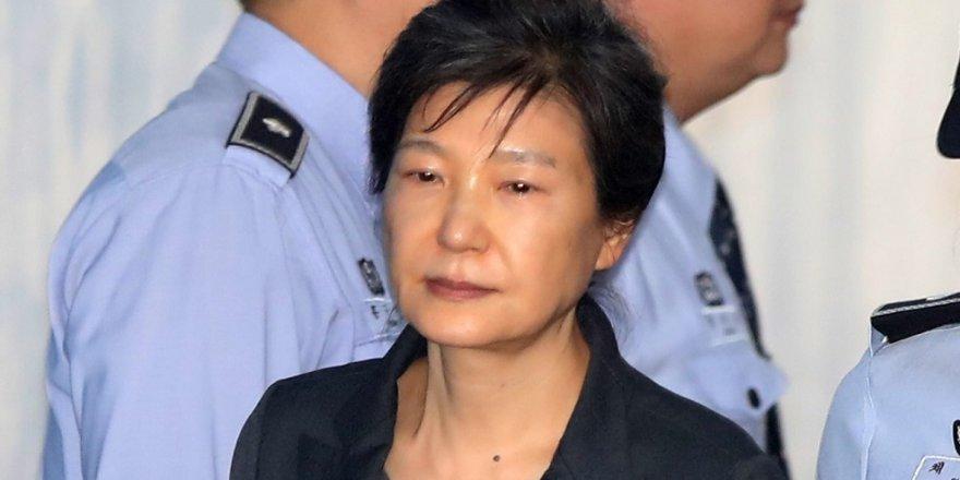 Güney Kore'nin eski liderine 30 yıl hapis talebi