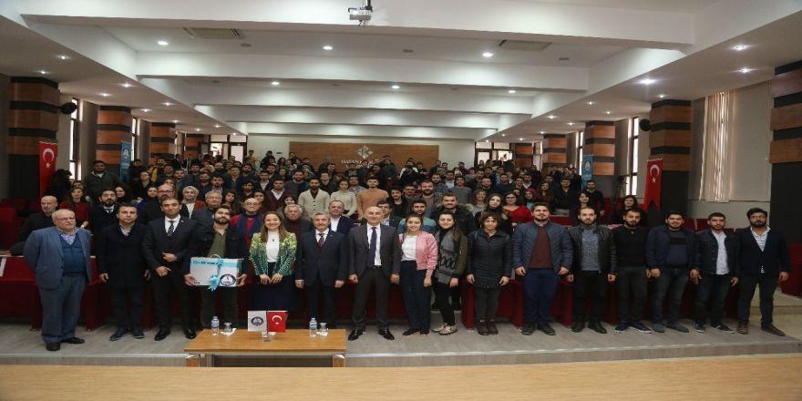Başkan Tahmazoğlu, Öğrencilerle Kariyer Günlerinde Buluştu