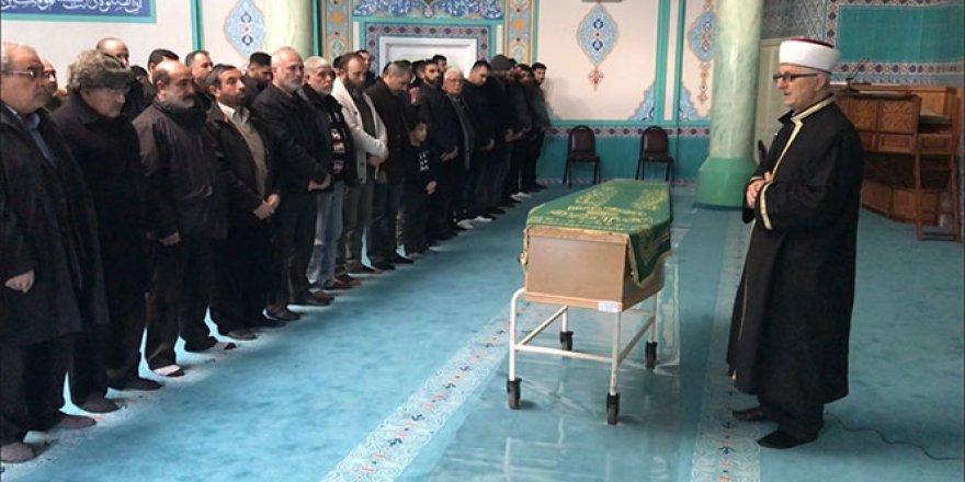 İngiltere'de öldürülen Türk gencine cenaze töreni