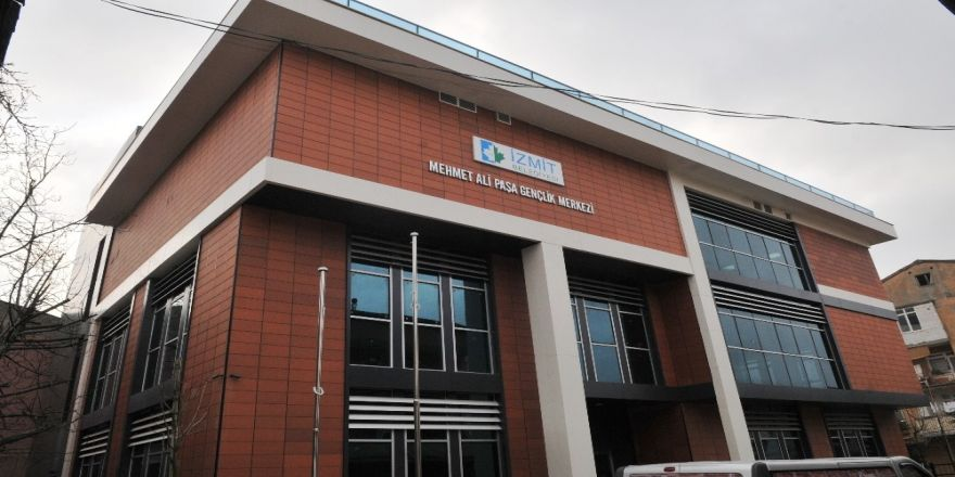 2 gençlik merkezi