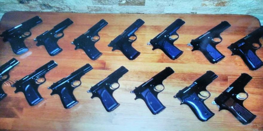 14 ruhsatsız tabanca ele geçirildi