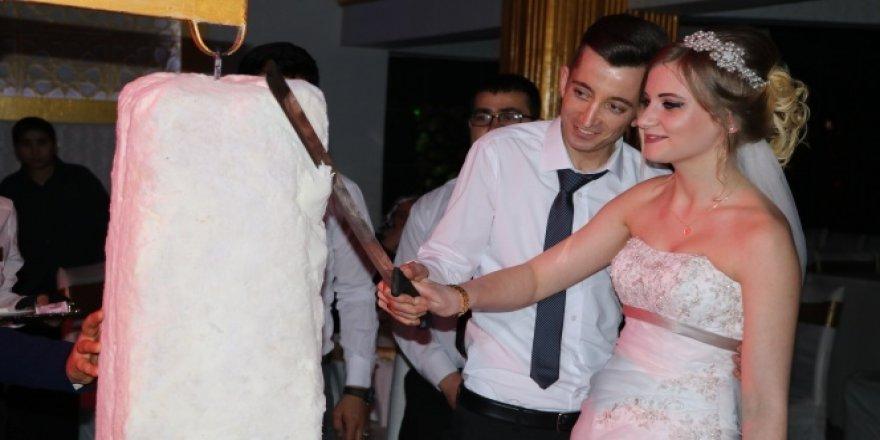 Alman hemşireye Türk usulü düğün