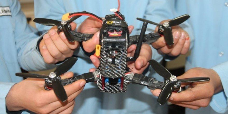 Öğrencilerin hız dronu dikkat çekti