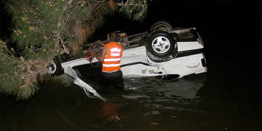 Otomobilde denize düştü