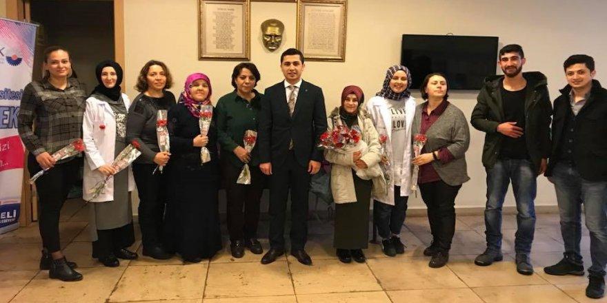 AK Parti'li gençler, kadınları unutmadı