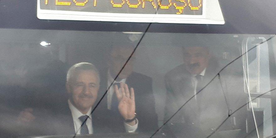Bakan Arslan, Başkentray'ın test sürüşünü gerçekleştirdi