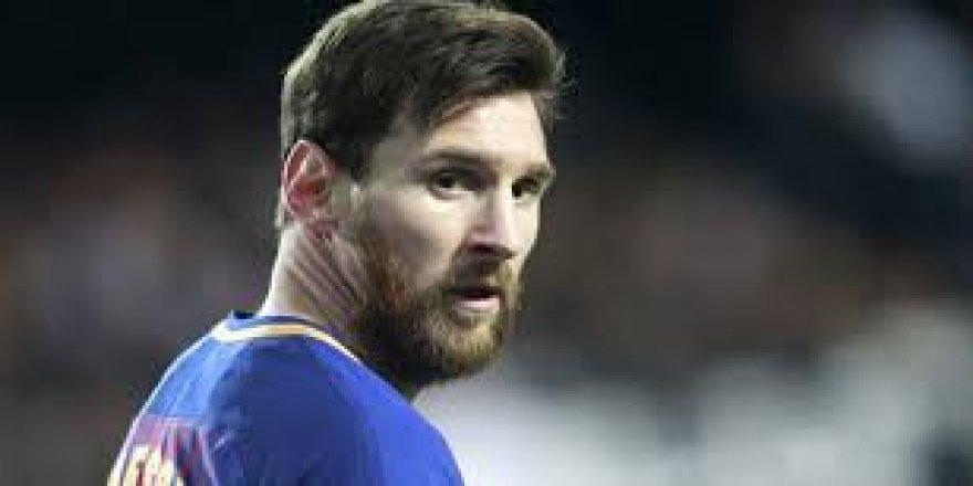 Maç öncesi, Messi kadro dışı