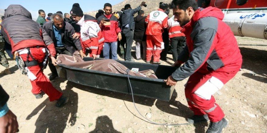 Ulaştırma Bakanlığı: '11 kişinin cesedine ulaşıldı'