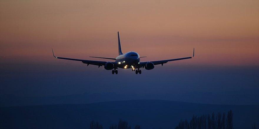 Kum fırtınası nedeniyle uçuşlar iptal edildi
