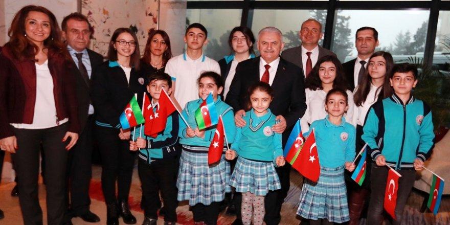 Azerbaycanlı öğrencilerden Mehmetçiğe mektup