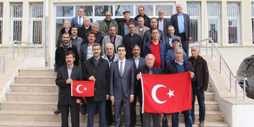 Muhtarlar, maaşını Mehmetçik'e bağışladı
