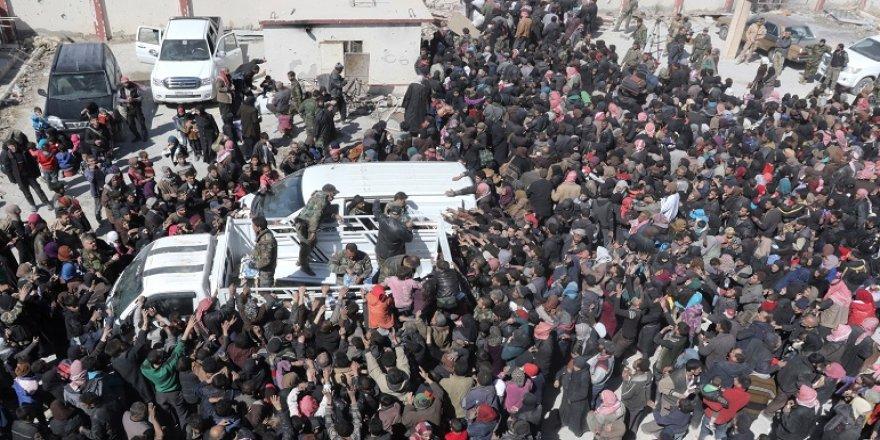 7 bin sivil Doğu Guta'dan ayrıldı