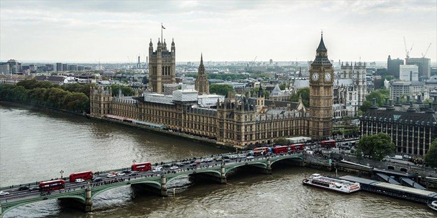 Londra'da İslamofobi, Trump ve ırkçılık karşıtı gösteri düzenlendi