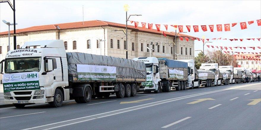 İHH'dan Afrin'e 12 tır gıda yardımı