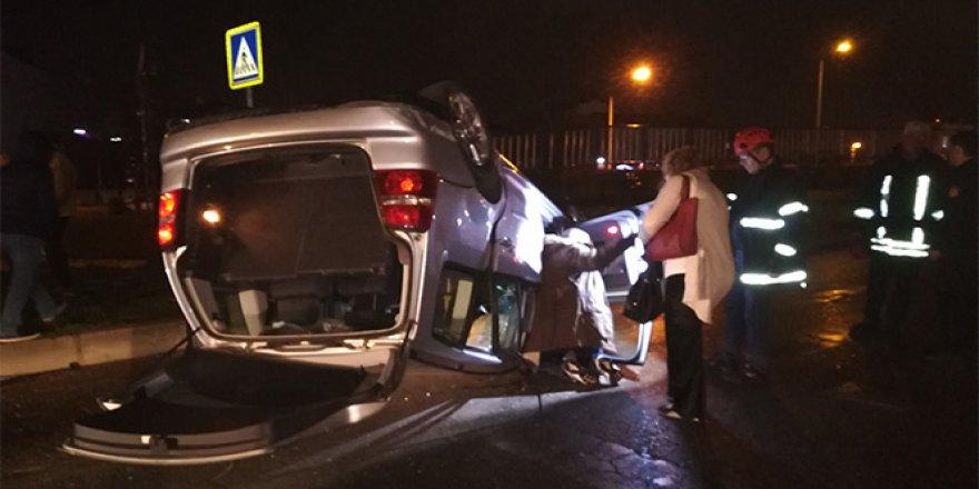 Gebze'de iki otomobil kafa kafaya çarpıştı: 4 yaralı