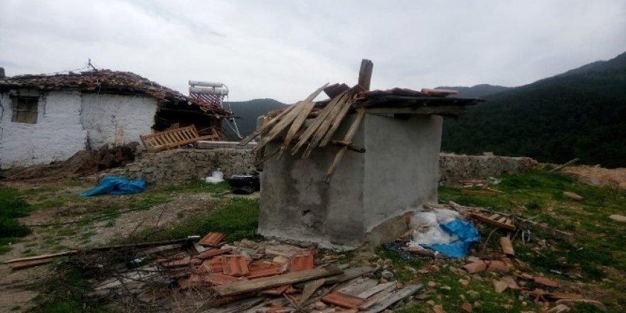 Rüzgar, evi uçurdu