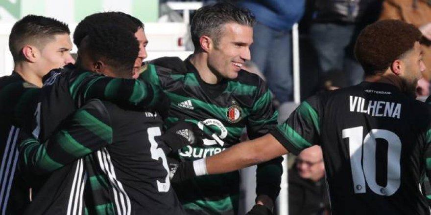 Robin van Persie'den 5 dakikada 2 gol