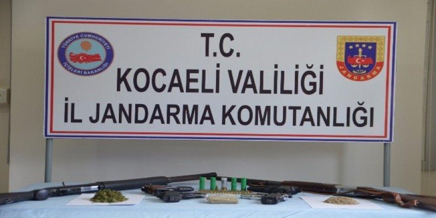 Gebze, Başiskele ve Gölcük'de uyuşturucu operasyonu
