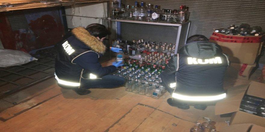 Sahte içki taşıyan araca baskın: 3 gözaltı