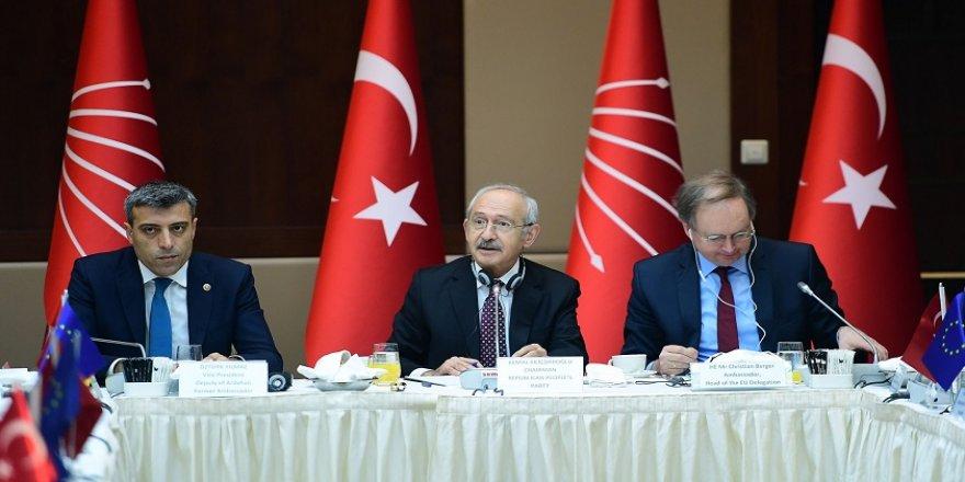 Kılıçdaroğlu, büyükelçilerle bir araya geldi