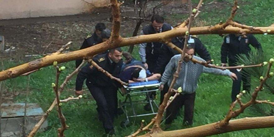 3. kattan düşen göçmen yaralandı