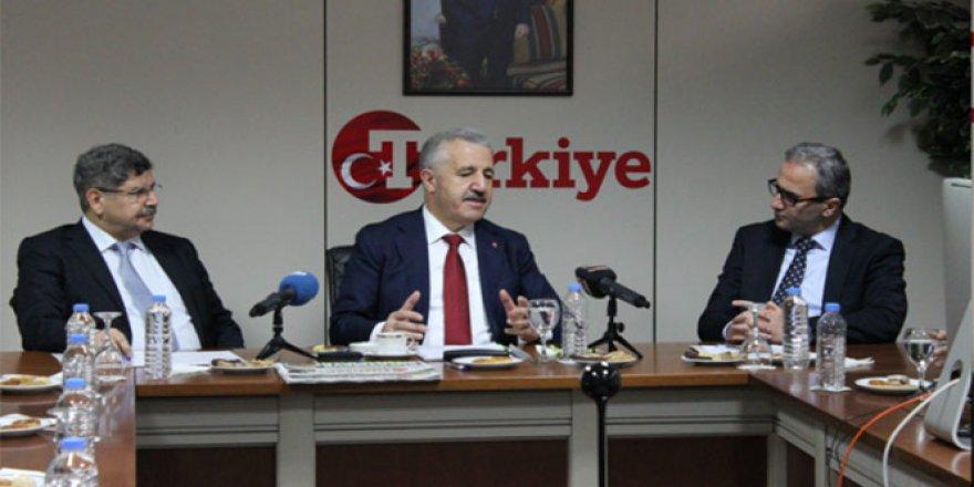 Bakan Arslan, dev projeler hakkında konuştu