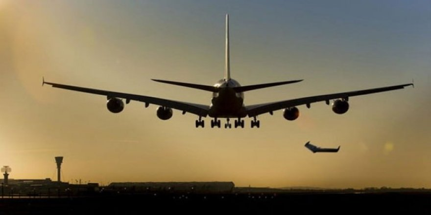 Uçaklar beşik gibi sallandı