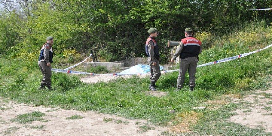 Su kuyusunda yakılmış erkek cesedi bulundu
