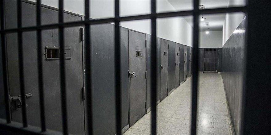 Mahkumlarla ve polis arasında çatışma: 9 ölü