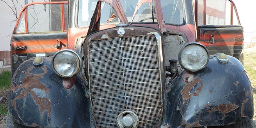 Eski ambulans 28 bin 500 liraya satıldı