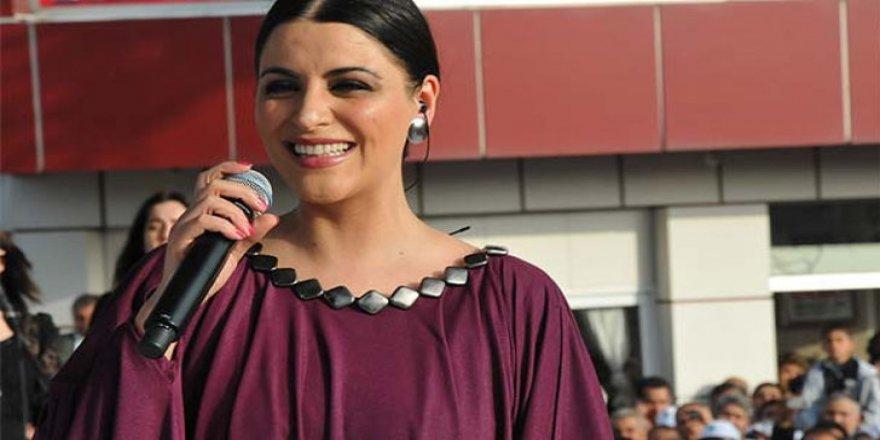 Şarkıcı Zara'dan estetik açıklaması