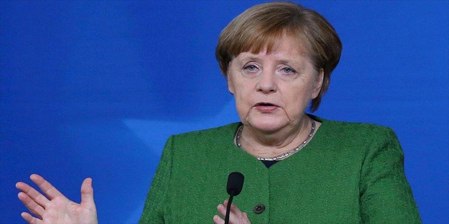 Almanya Başbakanı Merkel, Çin'de