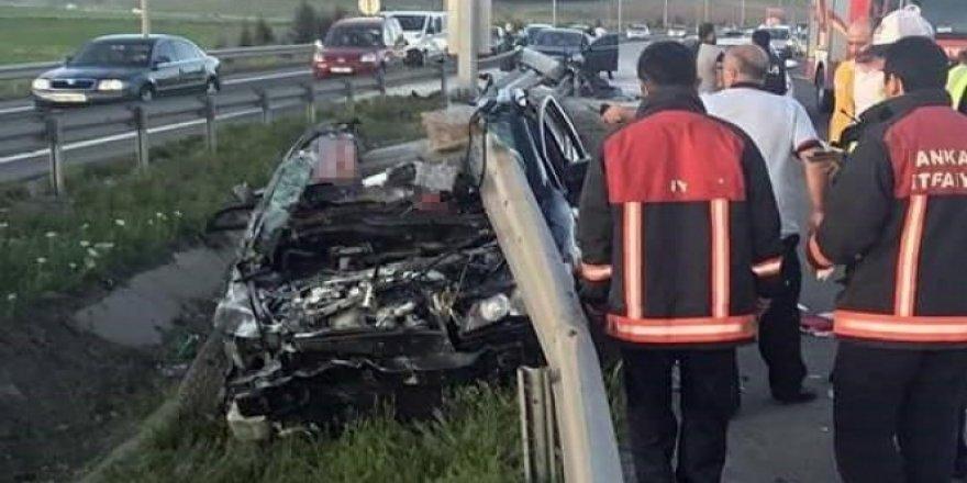 Bariyere saplanan otomobilden sağ çıktı