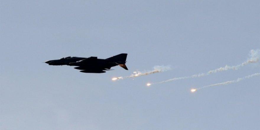 Savaş uçakları, DEAŞ'ı vurdu
