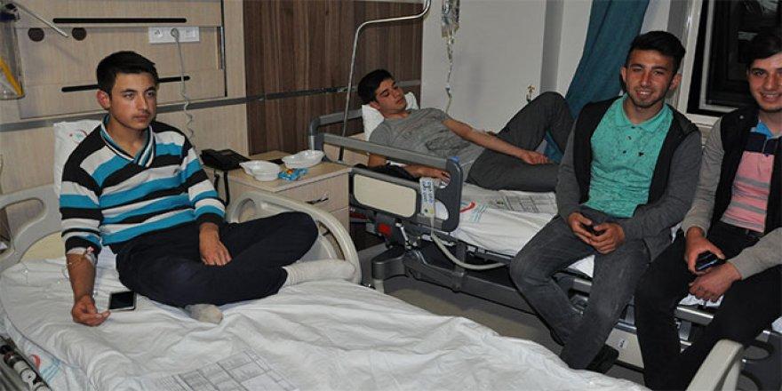 116 öğrenci hastaneye kaldırıldı