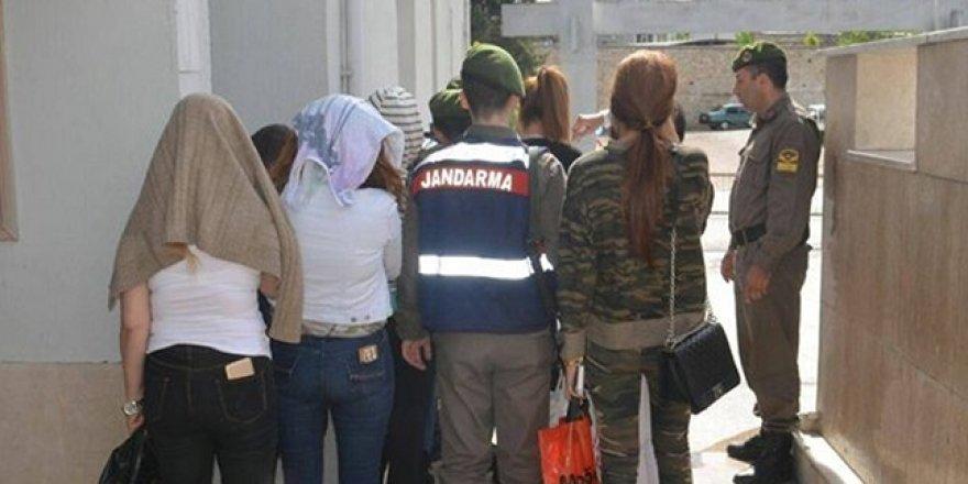 Yabancı uyruklu 10 kadın yakalandı