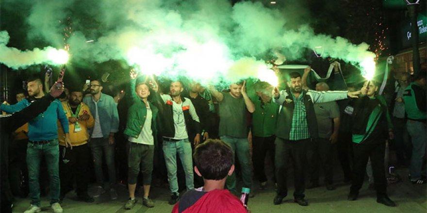 Akhisarspor, final heyecanını sokaklara taşıdı